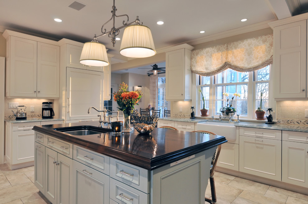 Making Your Kitchen Decor Work With Your Window Treatments Seamlessly