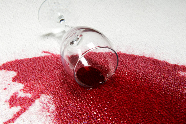 Top Tips for Removing a Red Wine Stain From a Carpet