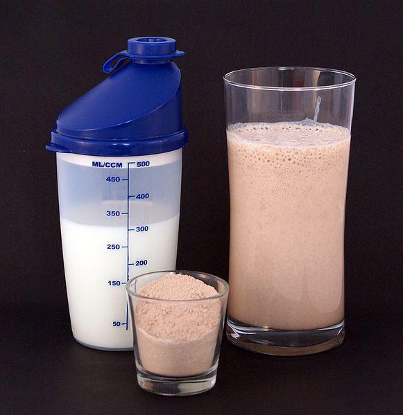 581px-Protein_shake