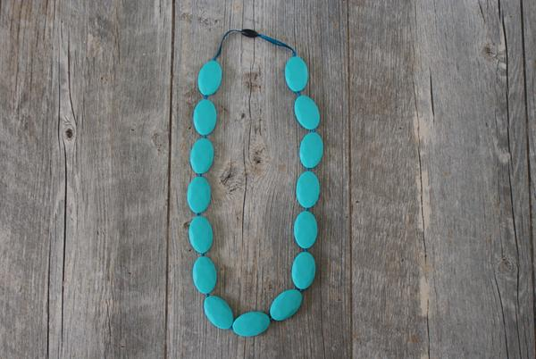 Oval teething necklace