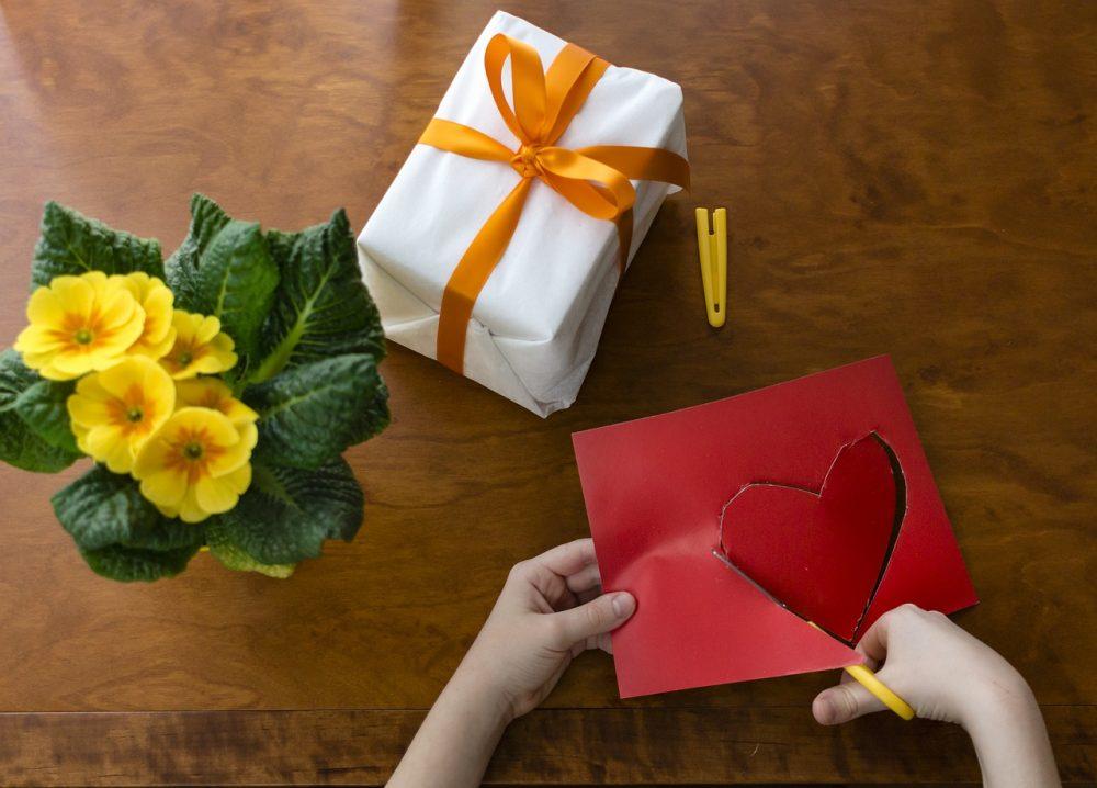 6 Great Valentine's Day Crafts