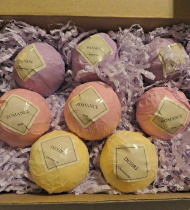 Olaxer bath bombs