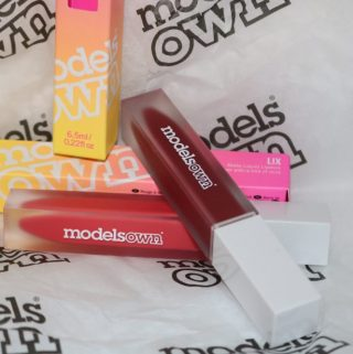 modelsOWN LIX Matte Liquid Lipstick For A Bit Of Lip Service