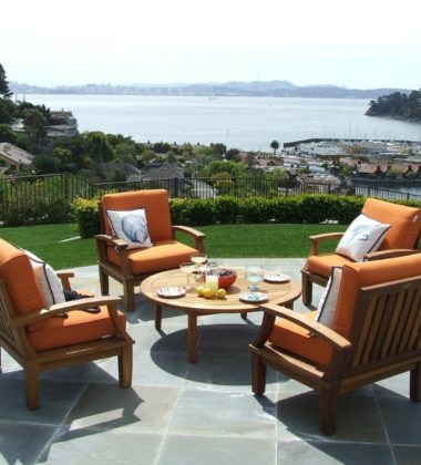 Why You Should Consider Teak Furniture For Your Garden