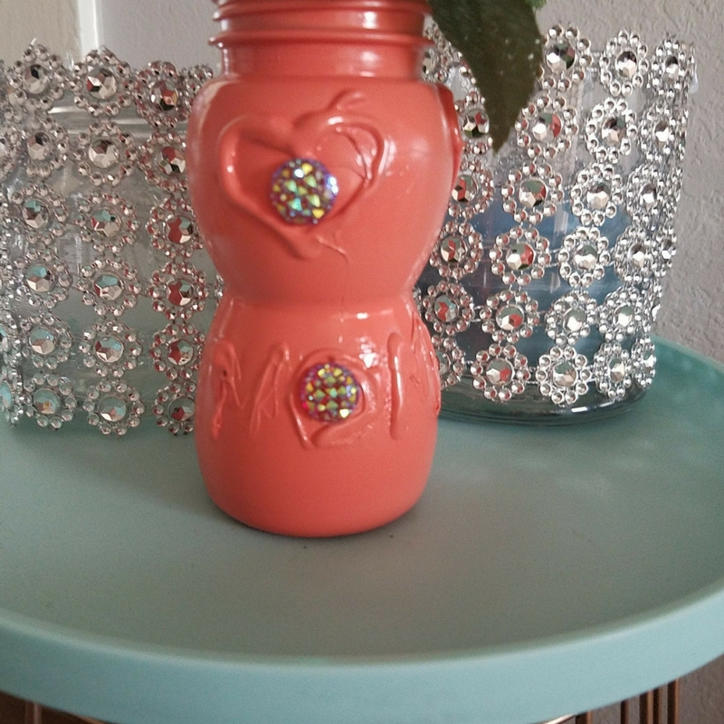 Reuse Juice Bottle For Mother's Day Vase-Easy Kid Project