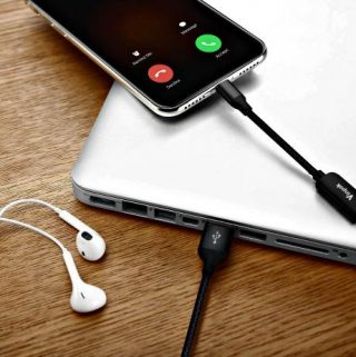A Versatile Cable For Audio And Calls While Charging Your iPhone