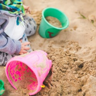 Selecting the Right Outdoor Activity Toy