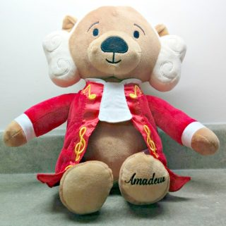 Amadeus – The Virtuoso Bear – To Inspire The Little Ones With Classical Music