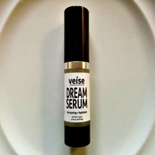 Veíse's Dream Serum Can Help You With Those Stubborn Facial Problems