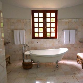 6 Tips to Choose the Right Bathroom Tile