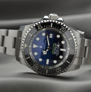 Choosing a Watch Gift for Your Husband