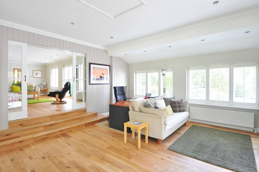 LVT Click Flooring And How It Compares To Traditional Wood Floors
