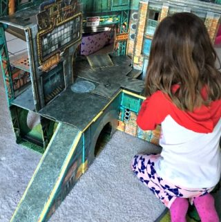 A Fold-up Play Scene From ReadySetz