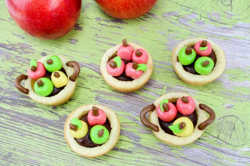 Bushel of Apples Cookie Cups Recipe