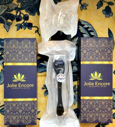 Derma Roller Microneedle Kit from Jolie Encore Makes a Great Gift for Beauty Lovers 1