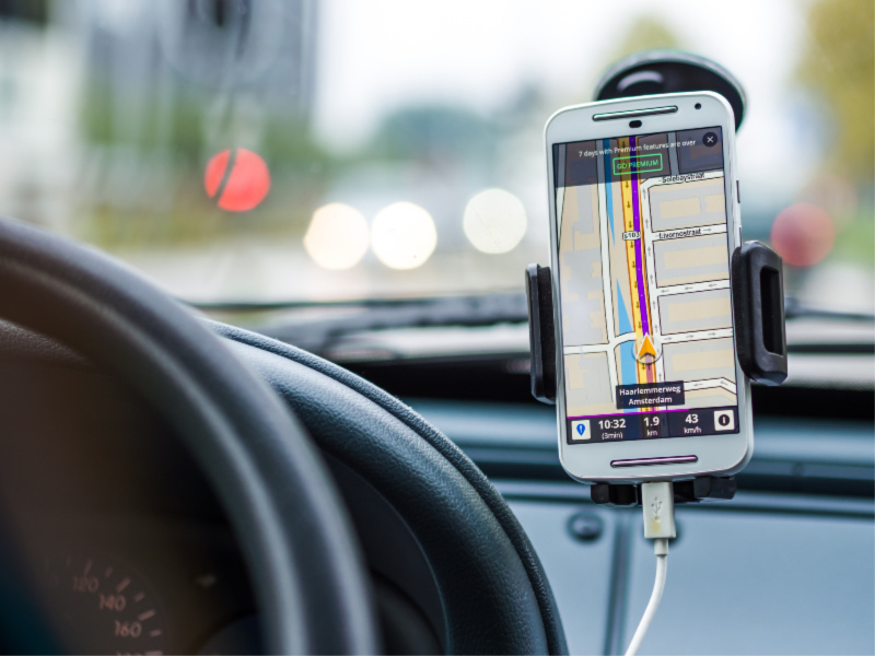 Smart Devices for Your Car That Make Road Trips Enjoyable
