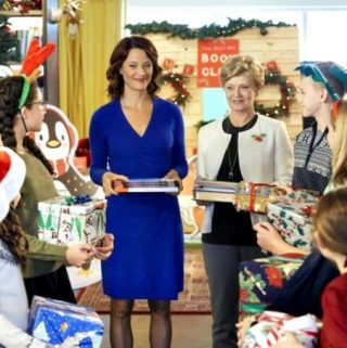 """Hallmark Movies & Mysteries """"Hope at Christmas"""" Premiering this Tuesday, Nov 20th at 9pm/8c! #MiraclesofChristmas"""