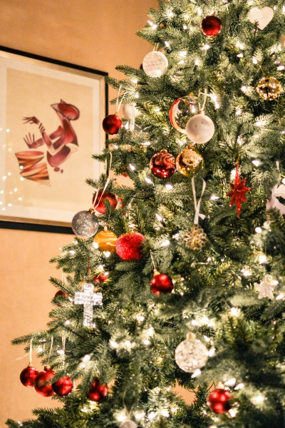 Christmas Decorating Hacks You Need to Know