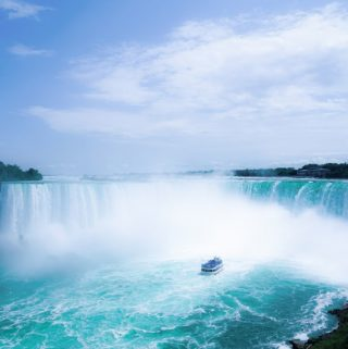 A Guide to Visiting the Canadian Side of the Niagara Falls for Hikers