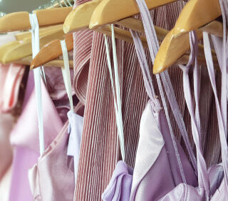 5 Advantages Of Renting Clothes Than Buying Them