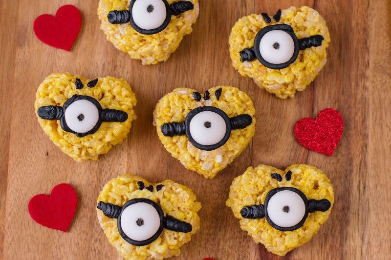 Minions-Inspired Valentine Treats