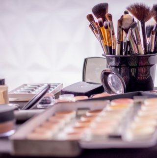 Some Great Tips on Saving Cash When Purchasing Makeup and How to Find Cheap Cosmetics