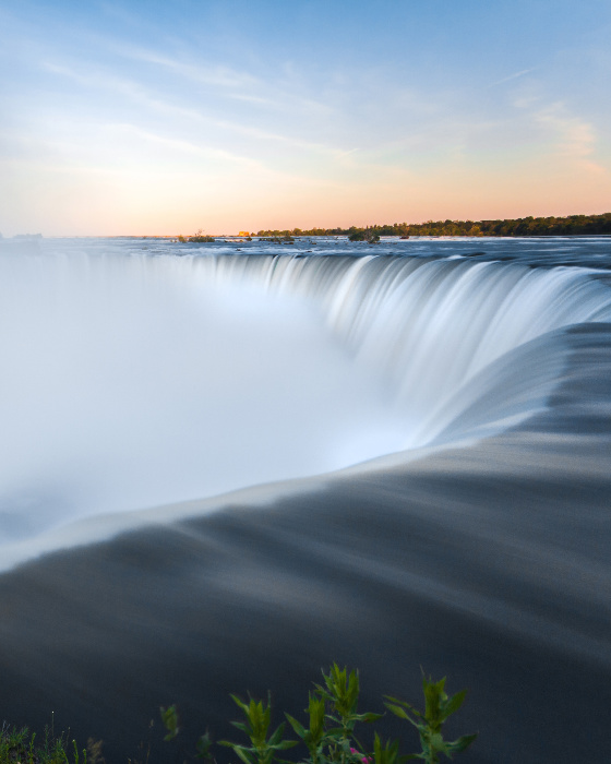 Visit the Niagara Falls for a Romantic Break