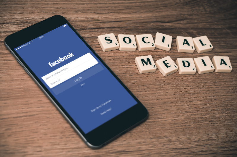 Does Social Media Have a Negative Impact on Your Teen's Mental Health