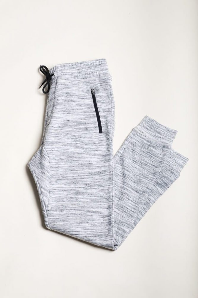 Do you want to know my go-to spot that has the clothes for teens? Brooklyn Cloth latest streetwear that carries the newest trends.