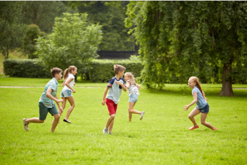 4 Important Reasons Why Your Child Should Play Outdoor Games