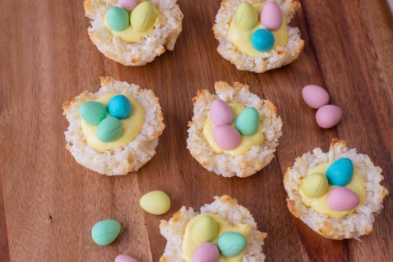 Easter Macaroons