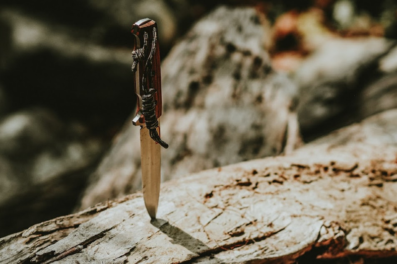 How To Choose The Right Knife - Survival Essentials