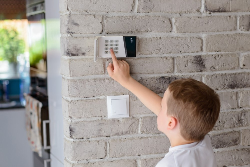 High-Tech Security Camera Features to Keep Your Kids Safe