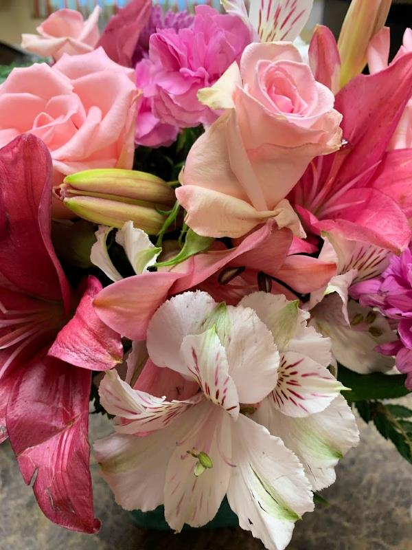 Make Mother's Heart Flutter With A Beautiful Bouquet