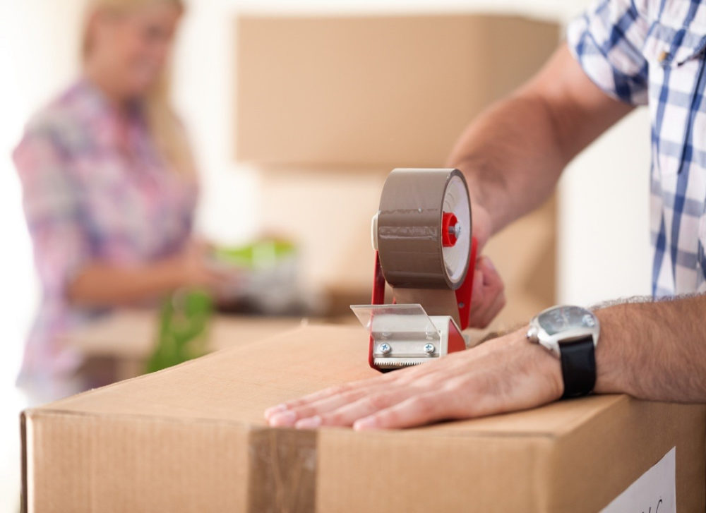 Keeping Things Organized and Running Smoothly When You Move Out