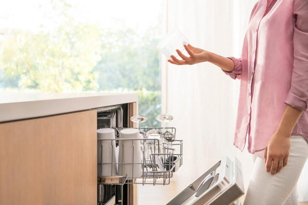 Explore The Beauty Of A Dishwasher With A Mind Of Its Own #ad