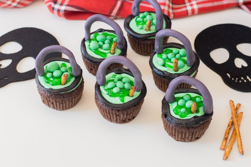 Cauldron Cupcakes on a white board