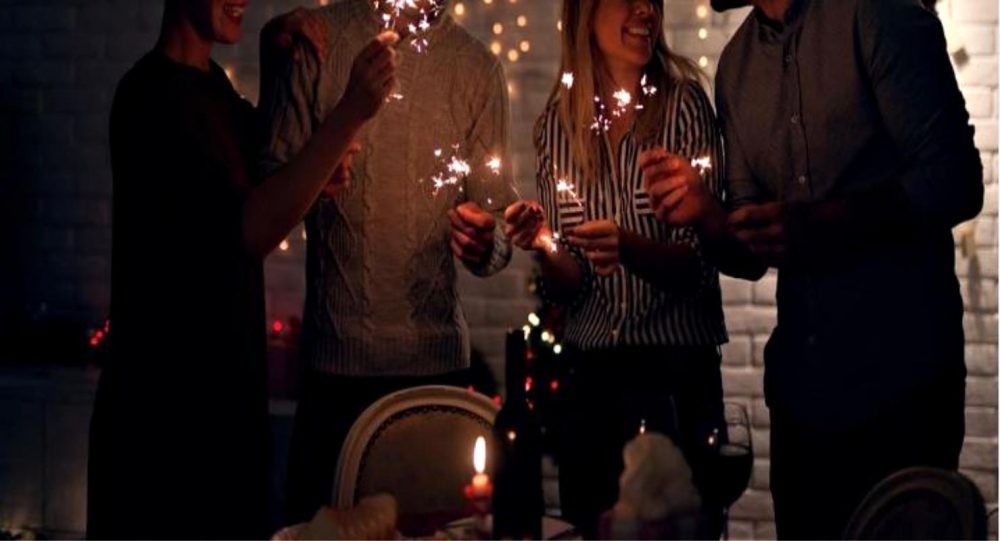 4 Holiday Hacks for Entertaining in Small Spaces
