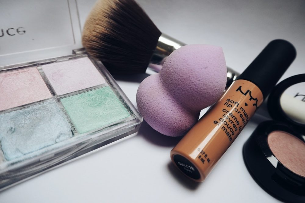 """The Science Behind """"Anti-Aging"""" Beauty Products"""