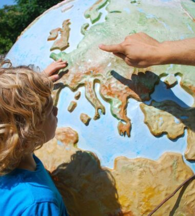 How To Choose The Perfect Place For An Ultimate Educational Travel Experience