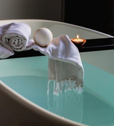 Accessories That Will Improve Your Bathroom Design [Top 7]