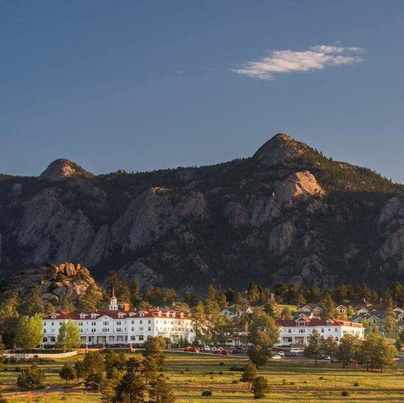 This Is How The Stanley Hotel, Colorado Is Know For Its Night Tours