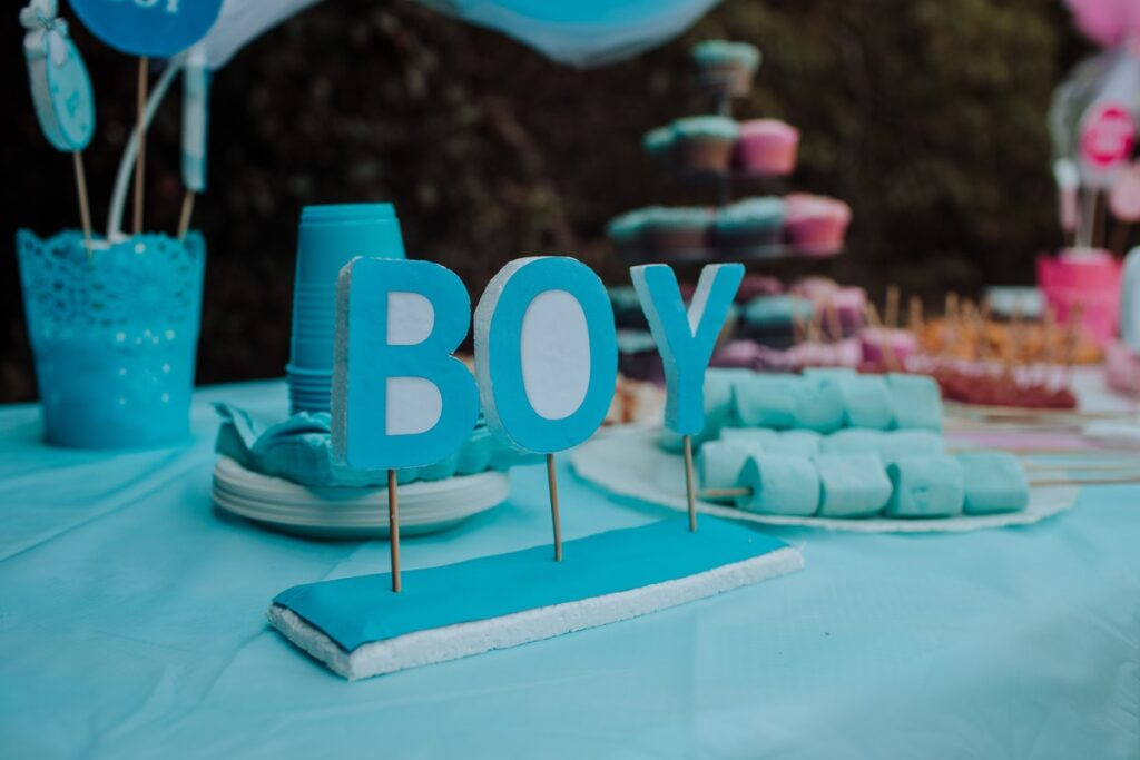 How To Host An Amazing Gender Reveal Party