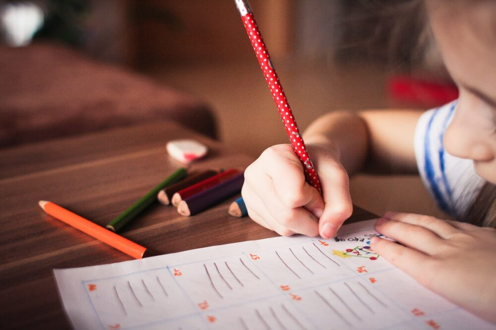 How To Teach A Child To Do Their Homework (And Not To Fight In The Process)