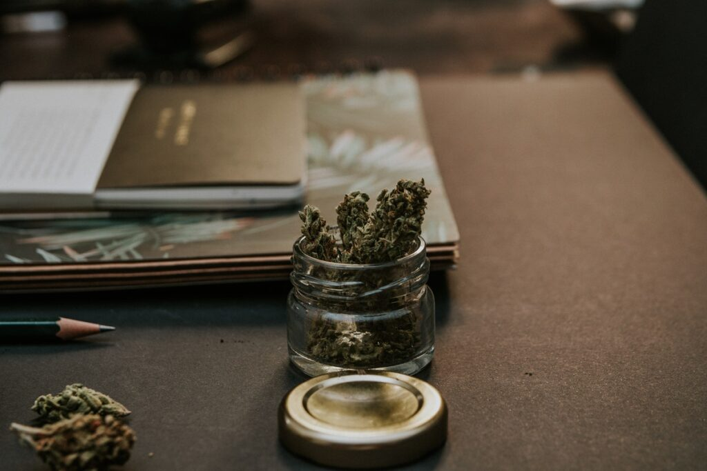 How You Can Buy Marijuana In A Safe, Trusted, and Convenient Manner