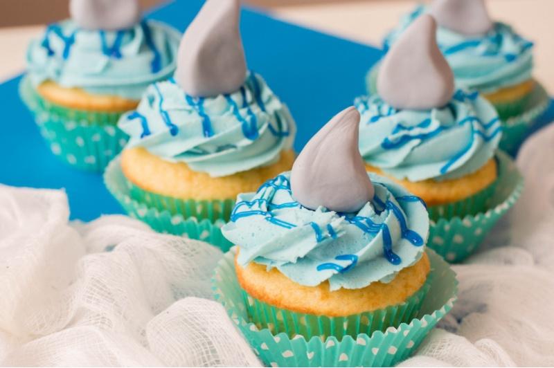 Shark Fin Cupcakes on a plate
