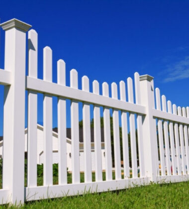 9 Flawless Fence Building Tips to Spruce Up Your Yard
