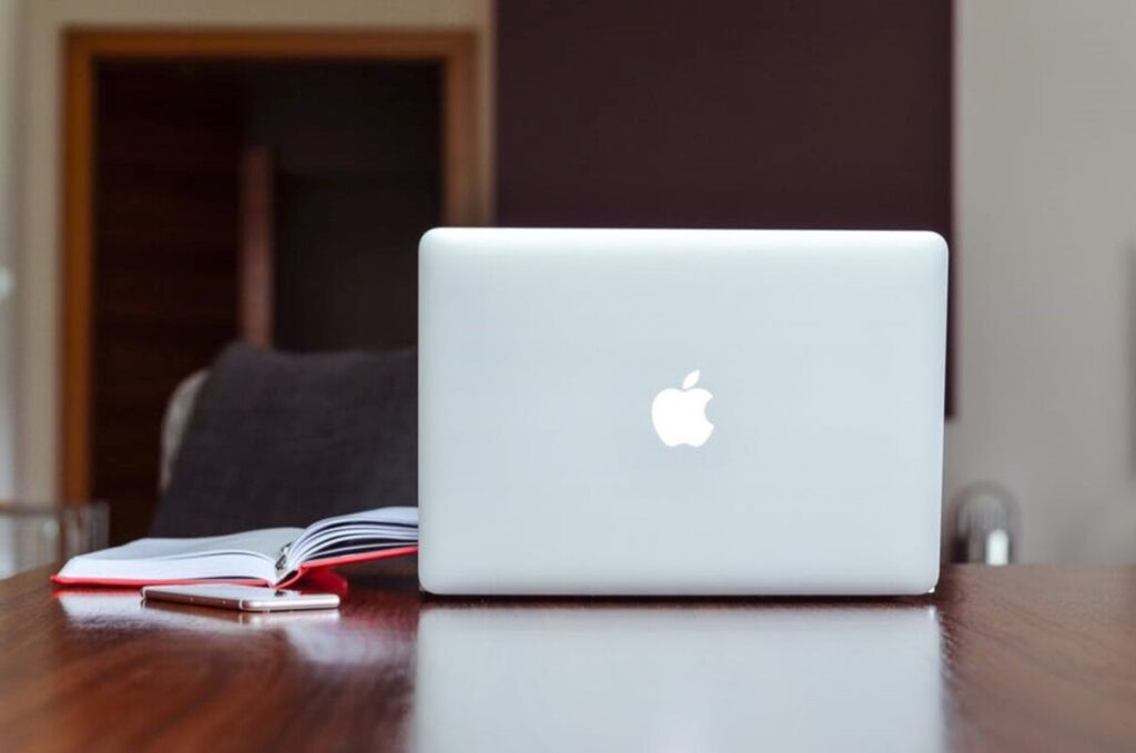 A Beginner's Guide to Using a Mac