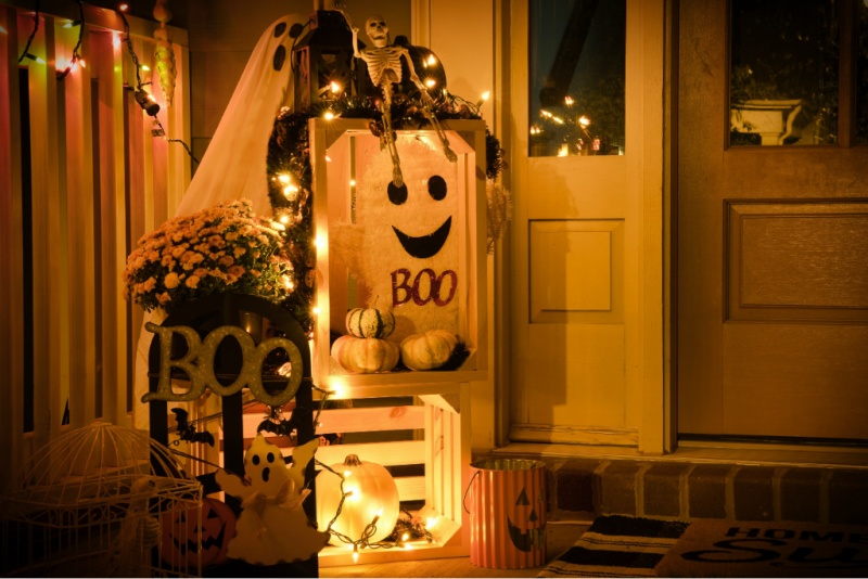 3 DIY Ideas To Make Your Yard Look Hauntingly Boo-tiful For Halloween