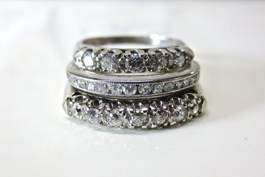 Your Guide To Buying Vintage Engagement Rings
